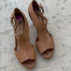Soft Tan Leather Heel w Ankle Strap Women Size 8.5